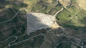 929475328-il-cretto-gibellina-vecchia-alberto-burri-cemento[1]