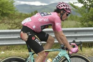 Giro 2019 caida en Cassino