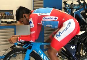 Vuelta 2019 calentando en almacén